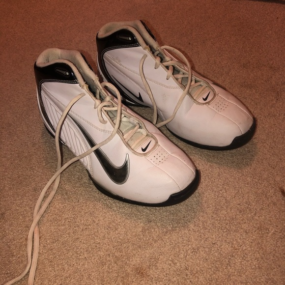 Nike Shoes - nike air basketball shoes
